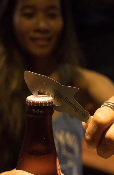 Stop Finning Flaschenöffner Hai